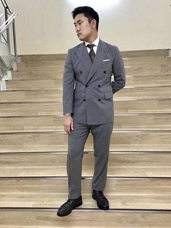 【REDA別注】ペンシルストライプのダブルブレストスーツ